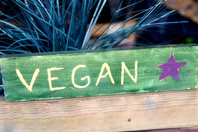 vegan-lettering-on-wood