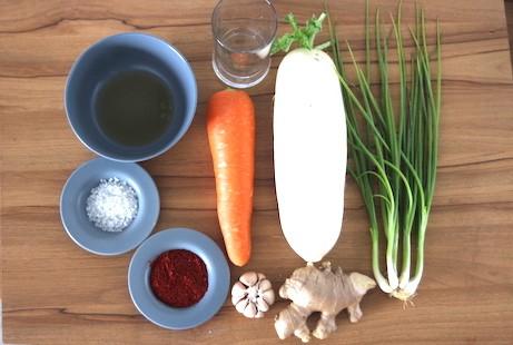 turnip-kimchi-ingredients